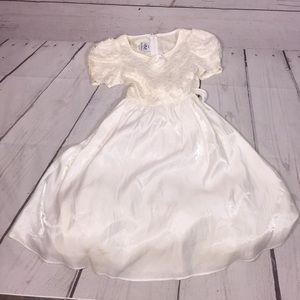Little girls Princess 👑/Elsa/Flower girl dress